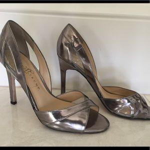 Sz 8.5 Ivanka Trump Pewter Silver High Heels